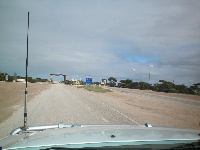 SA-WA Quarantine Inspection Checkpoint
