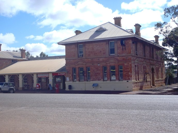 Coolgardie Post Office - Closes in July