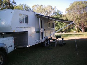 Caravan Parks Backs on to Victoria River
