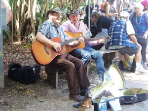 Buskers at Eumundi Markets