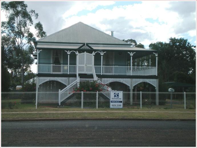 """Traditional """"Queenslander"""""""