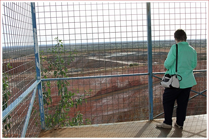 Lookout at Fort Bourke over the New Cobar Gold Mine