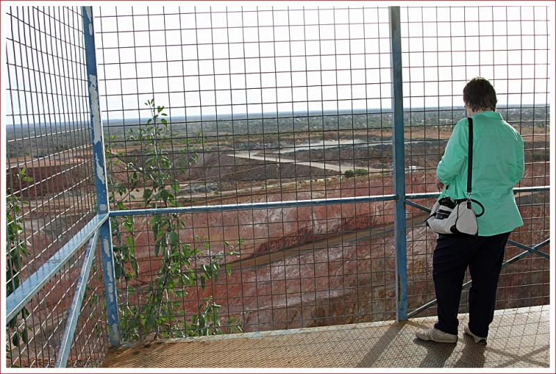 Lookout at Fort Bourke over the New Cobar Mine