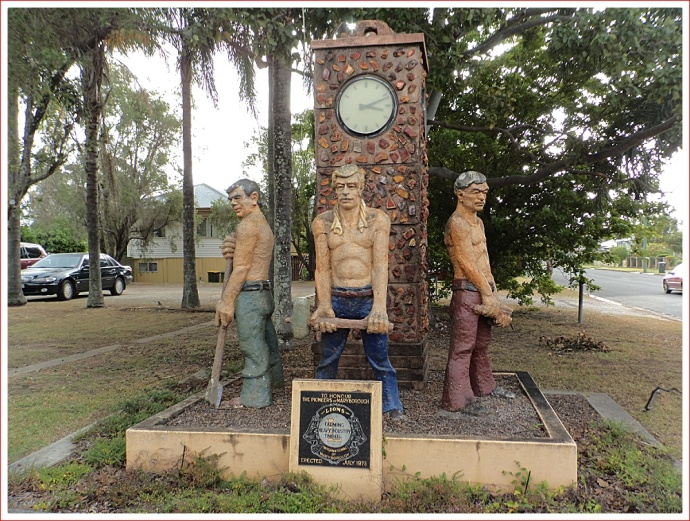 Monument to the early pioneers of Maryborough