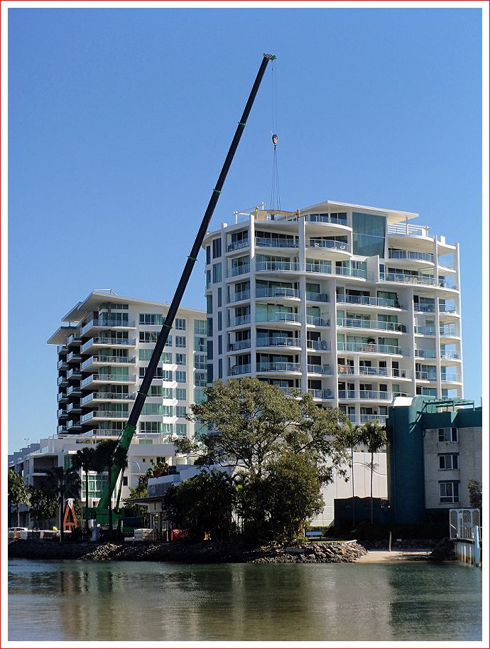 Monster crane at Maroochydore