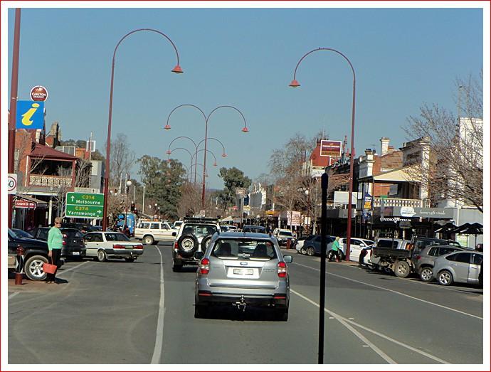 Scene down Wangaratta's main street